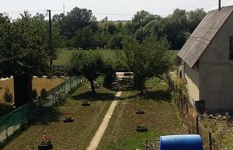 Eladó Zárt kert
