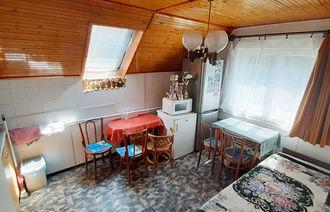 Kiadó Tetőtéri társasházi lakás