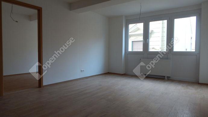 2. kép   Kiadó Társasházi lakás, Eger (#143265)