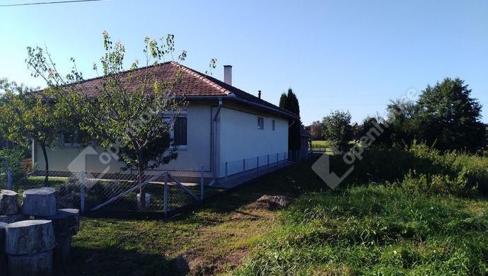 13. kép | Utcai homlokzat | Eladó Családi ház, Salomvár (#141942)