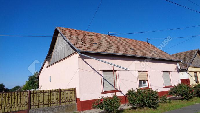 15. kép | utcai házrészlet.  | Eladó Családi ház, Magyarbánhegyes (#146996)