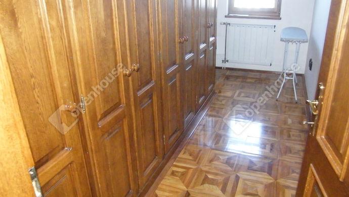 10. kép | gardrób | Eladó Családi ház, Zalaegerszeg (#140653)
