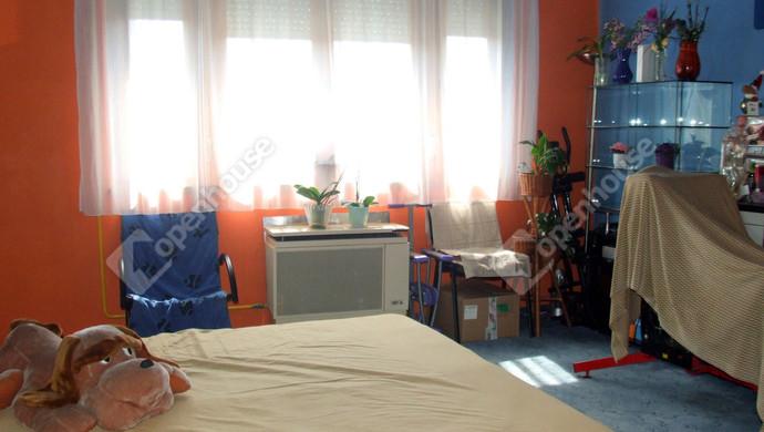 2. kép   Eladó Családi ház, Szombathely (#131005)