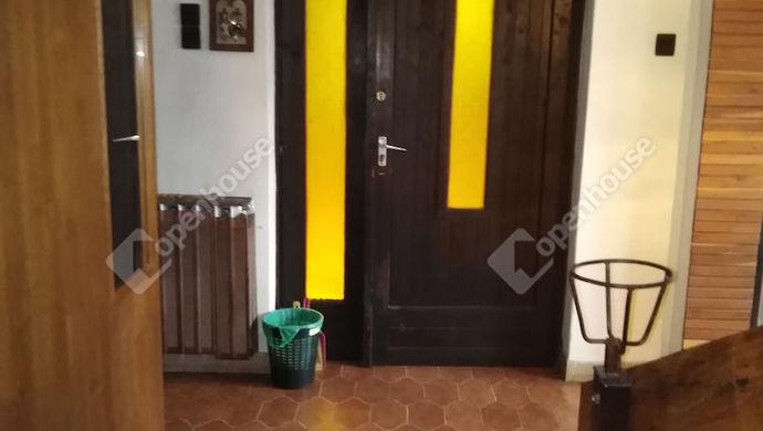 15. kép | Bejárat | Eladó Családi ház, Tata (#139490)