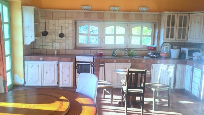 2. kép | konyha | Eladó Kastély, Hegyeshalom (#93603)