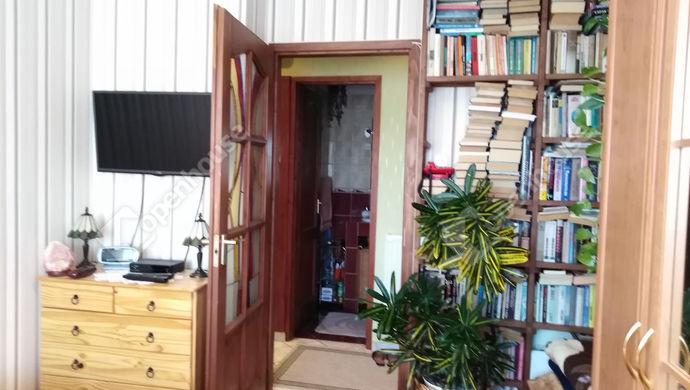5. kép | Hálószoba a könyv sarokkal | Eladó Társasházi lakás, Tata (#141369)