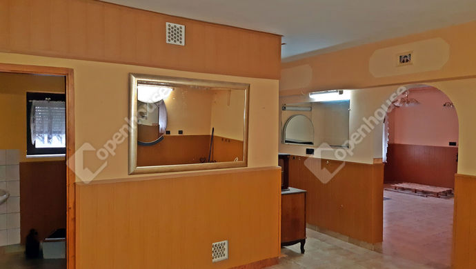 3. kép   Eladó Üzlethelyiség, Sopron (#136653)