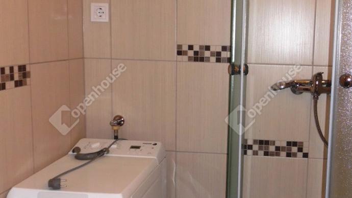 12. kép | Fürdőszoba | Eladó Társasházi lakás, Tatabánya (#128510)