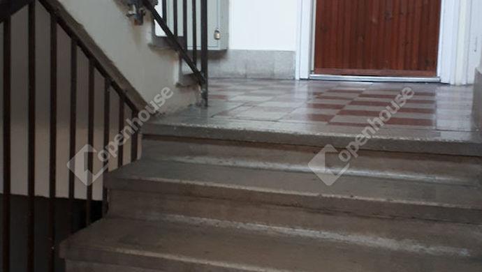 10. kép | Lépcsőház | Eladó Társasházi lakás, Tatabánya (#134818)