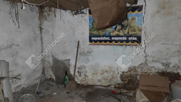 24. kép | garázs | Eladó Családi ház, Petrikeresztúr (#144758)