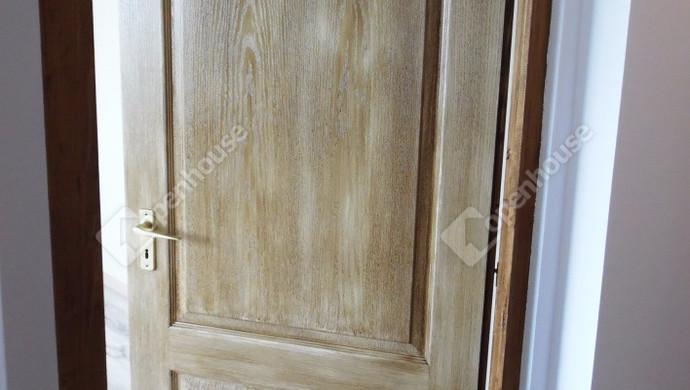 6. kép | Beltéri ajtó | Eladó Társasházi lakás, Tatabánya (#128510)
