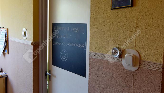 8. kép | közlekedő | Eladó Társasházi lakás, Tatabánya (#132869)