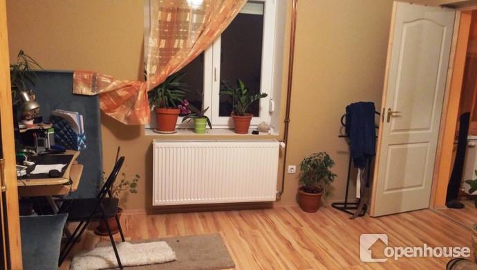 4. kép   2. lakrész- szoba   Eladó Családi ház, Tata (#115361)