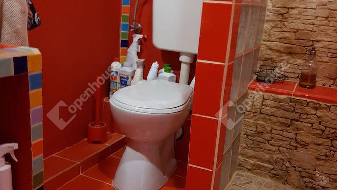 17. kép | tetőtér-zuhanyzó-wc | Eladó Ikerház, Győr (#140260)