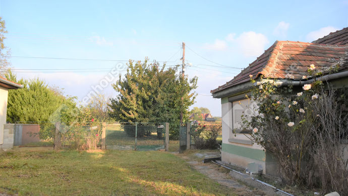 0. kép | Eladó családi ház Kőszárhegyen. | Eladó Családi ház, Kőszárhegy (#142191)