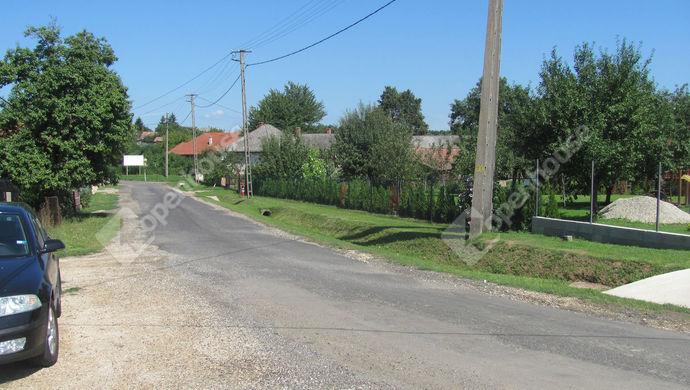 31. kép | Utcakép | Eladó Családi ház, Németfalu (#140990)