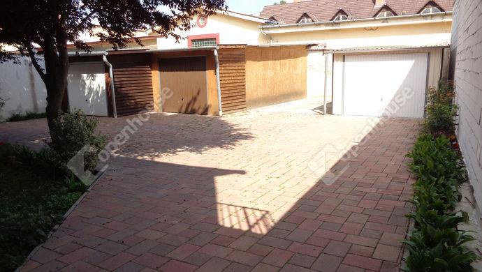 13. kép | Udvari garázs | Eladó Társasházi lakás, Szolnok (#146898)