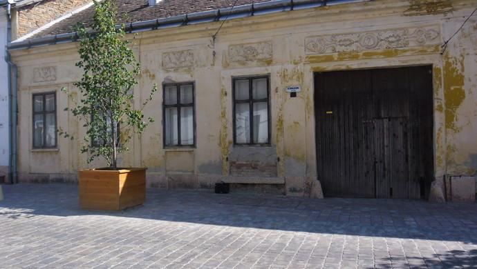 2. kép | A ház | Eladó Családi ház, Tata (#106618)