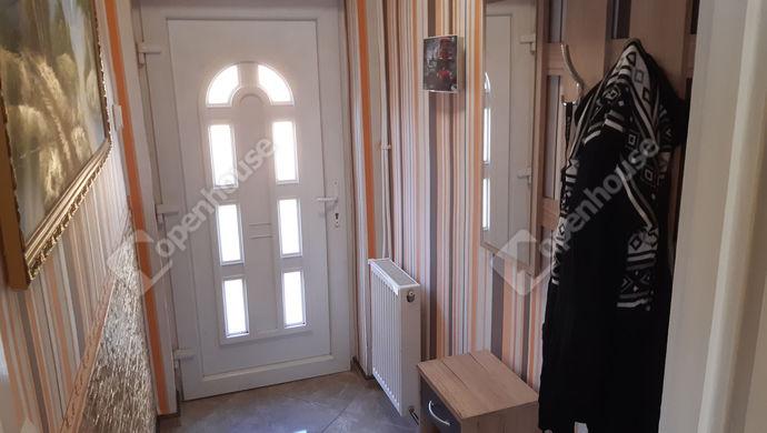5. kép | előszoba | Eladó Családi ház, Békéscsaba (#149932)