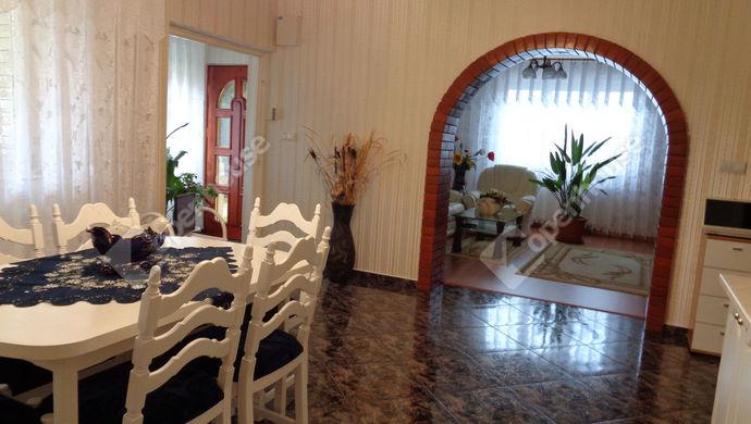 1. kép   nappali részlet   Eladó Családi ház, Békéscsaba (#147797)