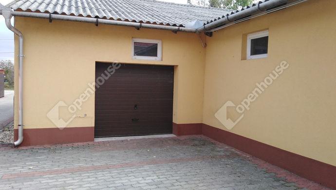 13. kép   Eladó Családi ház, Komárom (#141976)
