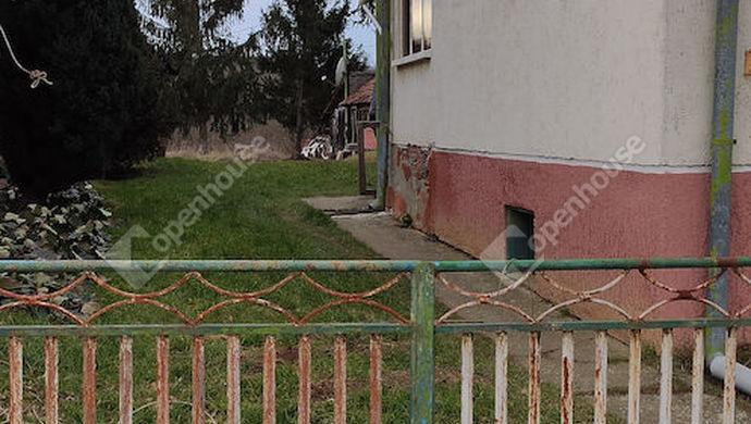 29. kép | Udvari nézet | Eladó Családi ház, Nova (#144457)