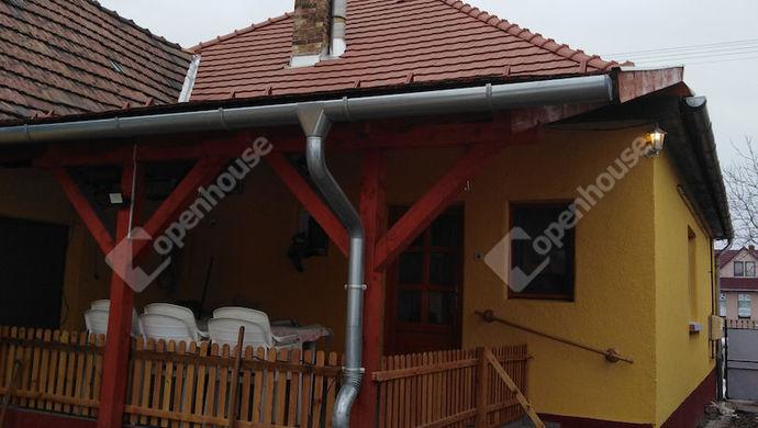 11. kép | Terasz az udvarból | Eladó Családi ház, Tatabánya (#136448)
