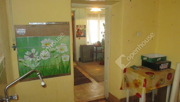 3. kép | konyha | Eladó Családi ház, Szolnok (#125448)