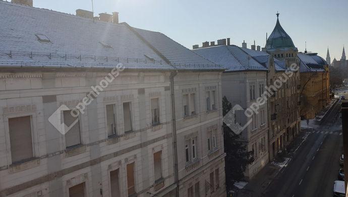 8. kép | Utcai nézet | Eladó Társasházi lakás, Szeged (#149537)