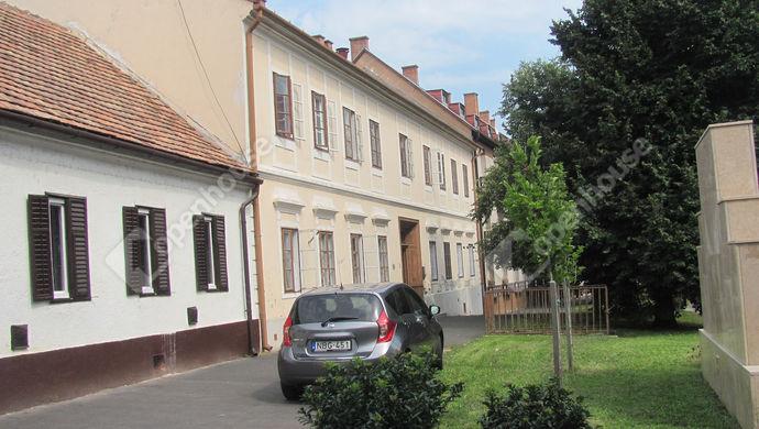26. kép | Utcakép | Eladó Családi ház, Zalaegerszeg (#142884)