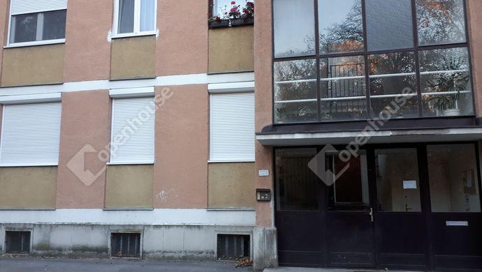 12. kép | Ház az utcáról | Eladó Társasházi lakás, Tatabánya (#134818)