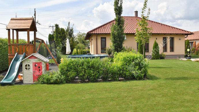 2. kép   Eladó családi ház Székesfehérváron.   Eladó Családi ház, Székesfehérvár (#140671)