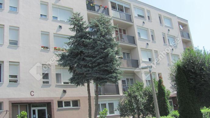 21. kép | Bejárat | Eladó Társasházi lakás, Zalaegerszeg (#140563)