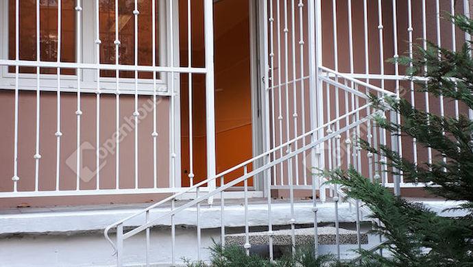 11. kép | Bejárati lehetőség az utcáról | Eladó Társasházi lakás, Tatabánya (#134818)