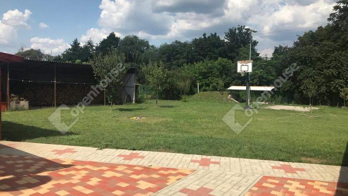 18. kép | Hátsókert | Eladó Családi ház, Tatabánya (#130991)