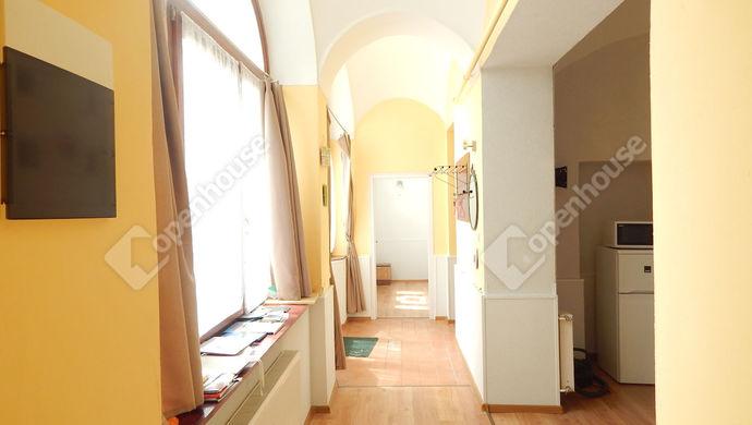 1. kép   Eladó Társasházi lakás, Eger (#151349)