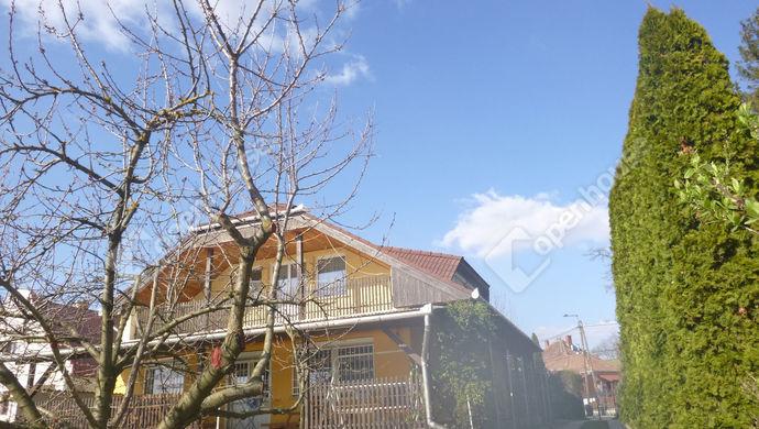 12. kép | udvari homlokzat | Eladó Családi ház, Győr (#137910)