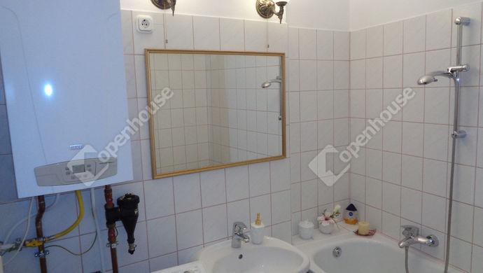 12. kép | Fürdőszoba | Eladó Társasházi lakás, Szolnok (#146898)