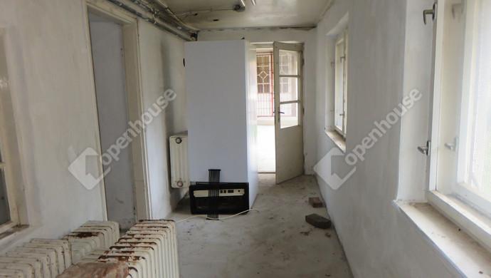 5. kép | Melléképület nagyobb folyosó | Eladó Üzlethelyiség, Öcsöd (#127035)