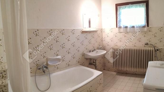 9. kép | Fürdőszoba | Eladó Családi ház, Siófok (#152219)