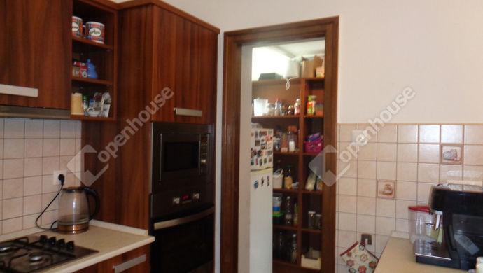 35. kép   konyha , kamra részlet   Eladó Családi ház, Békés (#146271)