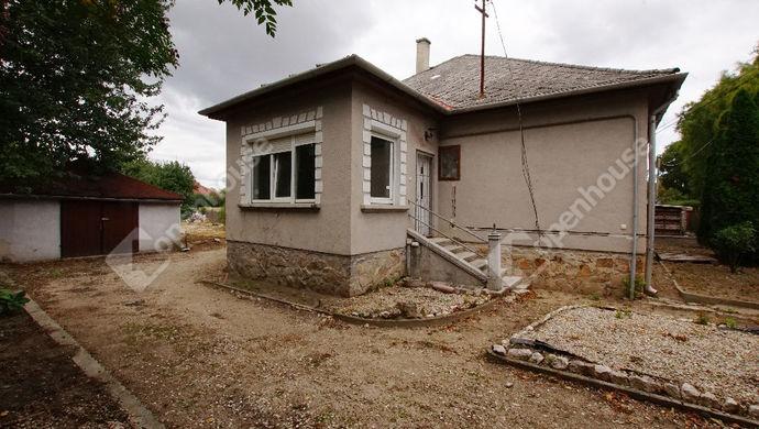 2. kép | Eladó telek bontandó házzal, Székesfehérvár , Karinthy utca | Eladó Telek, Székesfehérvár (#135591)