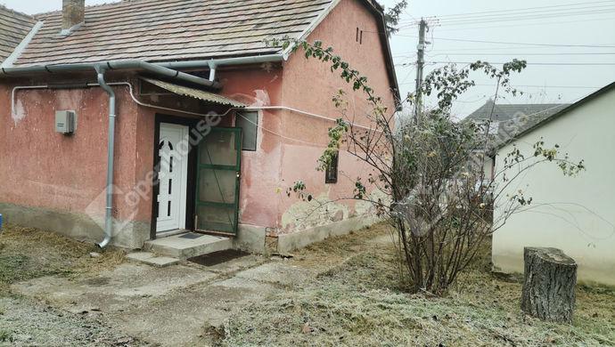 2. kép | Eladó Családi ház, Komárom (#149094)