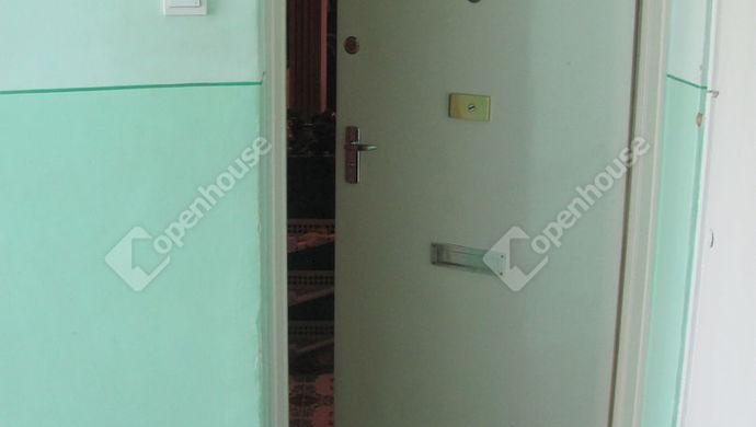 13. kép | Bejárat | Eladó Társasházi lakás, Zalaegerszeg (#140563)