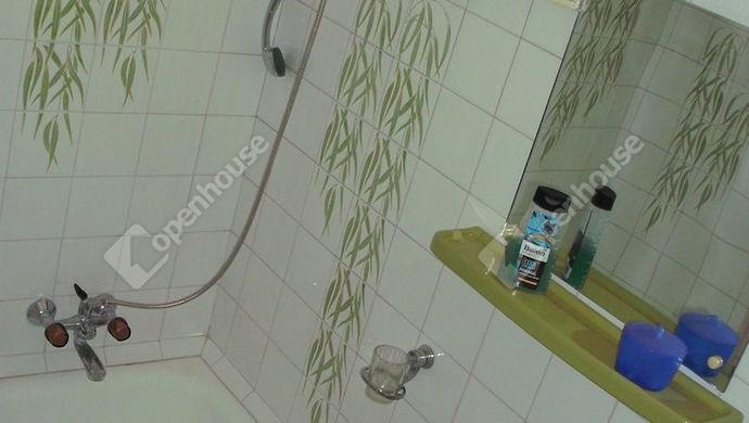 10. kép | Tetőtéri fürdőszoba | Eladó Családi ház, Debrecen (#135999)