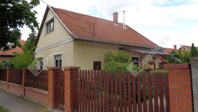 0. kép   utcai ház részlet   Eladó Családi ház, Békés (#146271)