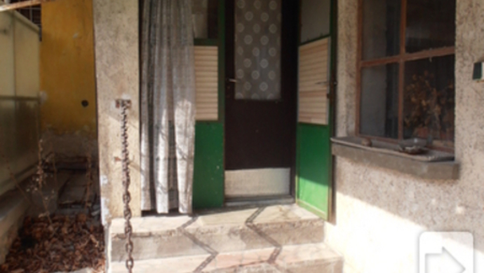 8. kép | Bejárat | Eladó Családi ház, Tata (#73820)