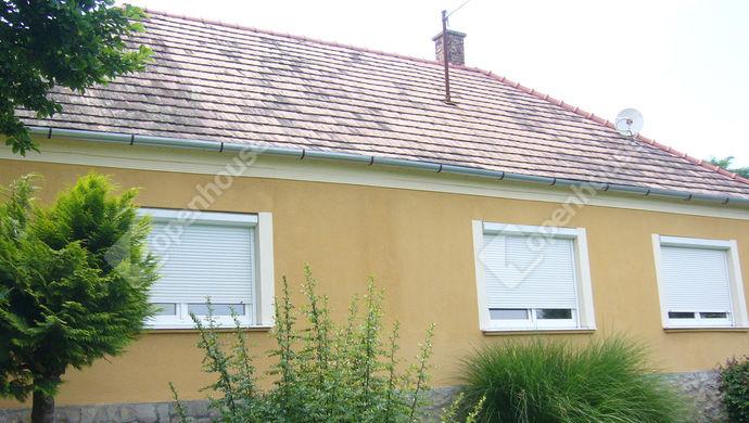 0. kép   Utcai homlokzat   Eladó Családi ház, Zalaszentgrót (#140307)