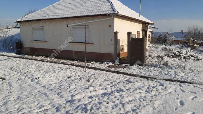 0. kép   utcai homlokzat   Eladó Családi ház, Doboz (#149589)