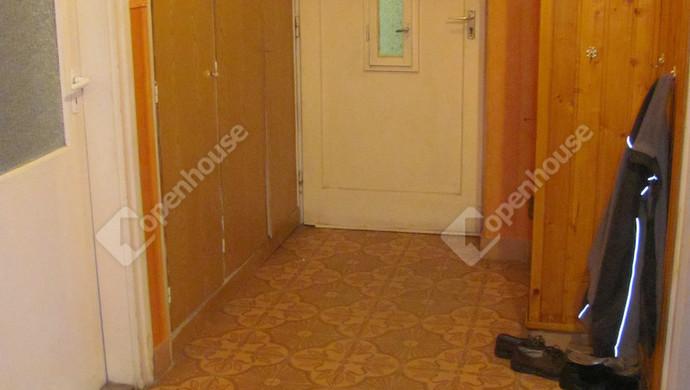 8. kép | Bejárat | Eladó Társasházi lakás, Zalaegerszeg (#129902)